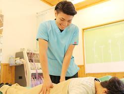 淡路市いとう鍼灸接骨院の腰の施術写真